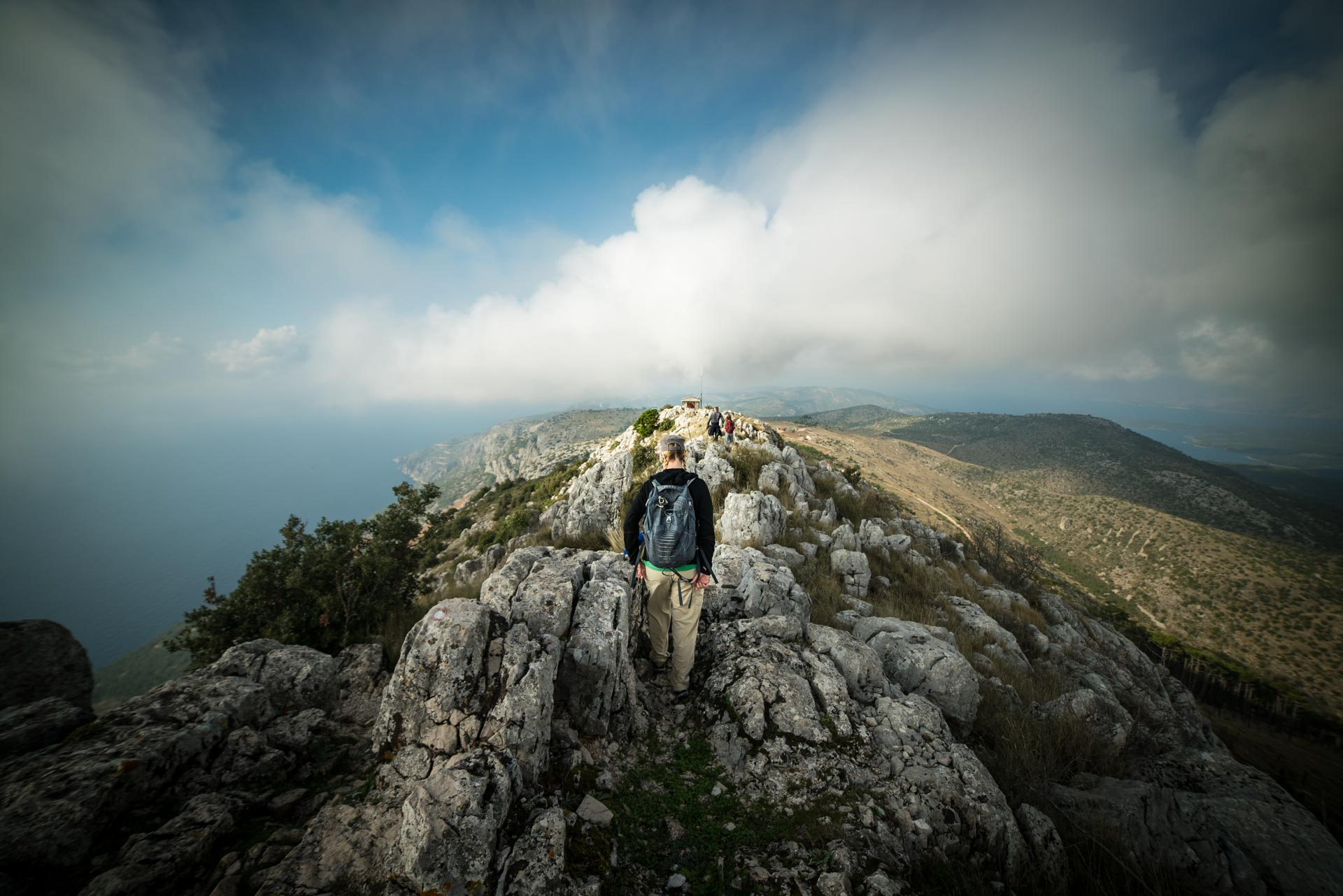 what to do on hvar hiking